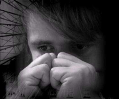 video:minner i svart og hvit